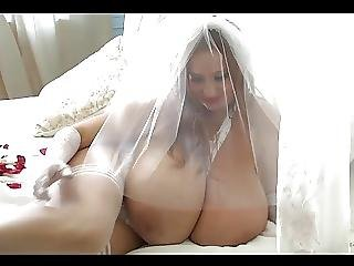 Bride Abbi Big Juggs