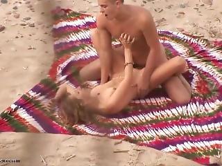 Beach Sex Couple 001