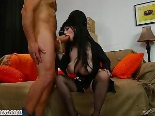 Elvira - The Mistress Of Darkness