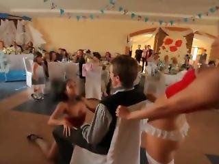 Pierwszy Taniec Na Weselu W Rosji/first Dance At A Wedding In Russia