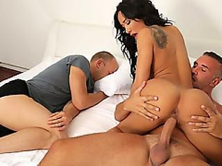 Amia Miley Needed To Get Dicked Down