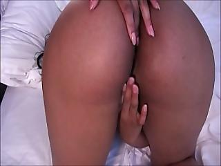 Valentina Fingering Her Nice Ass