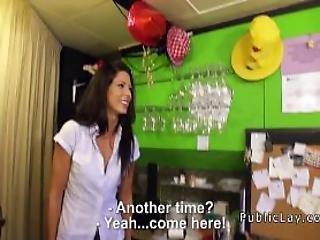 amateur, blowjob, morena, pareja, cum, desde Europa, facial, sexando, duro, pene grande, pov, publico, coño, realidad, sexy, sexo, voyeur, camarera