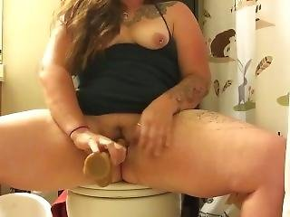 Squirting Bathroom Break