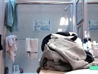 Teen Shower Spycam