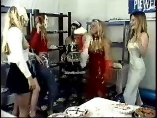 Messy Fun Mfv14 - Piewell Beauty Contest. Chicks In Lingerie Have Pie Fight