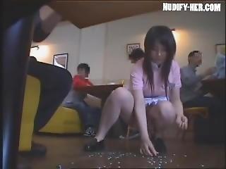 asiatique, hardcore, japonaise, masturbation, publique, petits seins, uniforme, serveuse