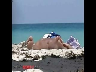 anciano, playa, falda, nudista, publico, sexy