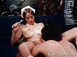Hardcore Deepthroat Blowjob In This Classic Porn