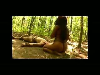Dzsungel, Szexi, Birkózás