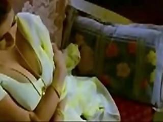 Indian Aunty_seduces To Boy