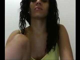 Sexy Brazilian Girl Masturbating On Webcam