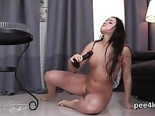 Luscious Cutie Is Pissing And Pleasing Smooth Vulva