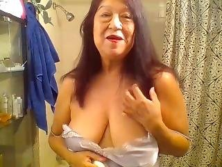 Mature Latina Woman Showering, Thank You For Keeping Me Company