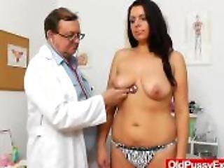 アクション, ブルネット, 巨乳, 閉じる, ドクター, 検査, 子房, ホスピタル, 成熟した, 熟女, 反射鏡, つばを吐く, ストッキング