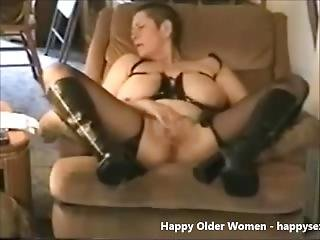 Gorgeous Granny Cumming. Amateur Older