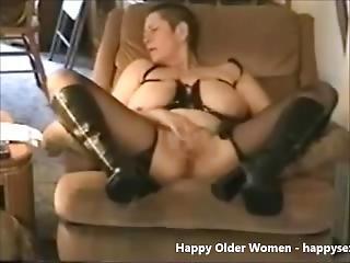 Gorgeous Granny Cumming. Amateur Older