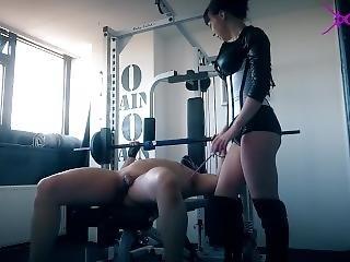 femdom, fetish, trainen, werkplaats