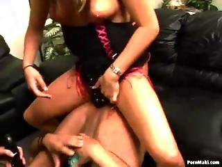 Boss Bitches With Cheyenne Hunter And Desire Moore