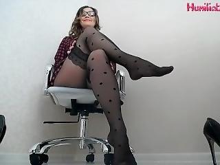 føtter, fot, fotjobb, håndjobb, hardcore, onanering, nylon, truser, strømpebukse, tiss, tissing, søster, tilbe