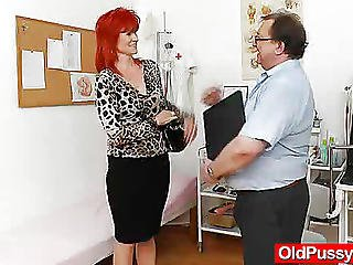 Dame Gyno With A Gyno-instrument