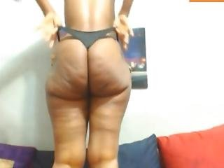 Juicy Big Booty Girlfriend First Webcam Show