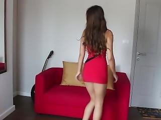 Hot Brunette Teen Upskirt Thong Flashing While Dancing & Shaking Her Butt !