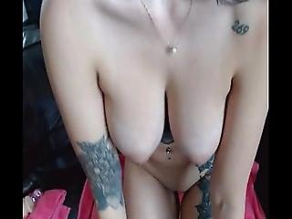 Tattooed Busty Babe Masturbates On Cam - Cumalongcams.com