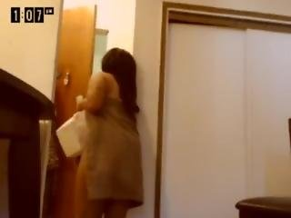 Camgirl Flashes Delivery Man
