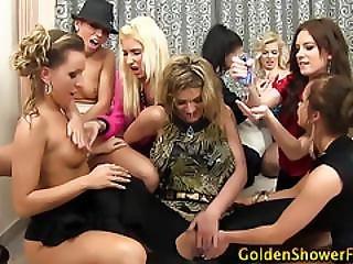 Goldenshower Les Fingered