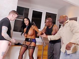 anal, kunst, stor sort cock, stor cock, stort bryst, sort, fed, tissemand, kneppe, hardcore, interracial, matur, milf, mmf, mor, pornostjerne, slut, squirt, trekant, arbejdsplads