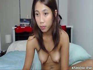Amateur Thai Teen Masturbation On Live Webcam