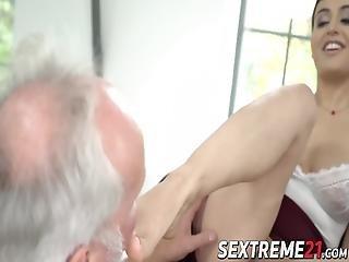 Feet Worshiped Babe Makes Grandpa Cum Like Never Before! Yasmeena Likes Making Seniors Feel Like They Are Young Again!