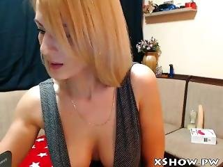 Mature Wet Woman Masturbation On Cam Show