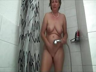 Frida, I Am A 54 Years Old Married Mom And Granny From Berlin No Shower Without Masturbation I Am A Big Fan Of The Shower Head