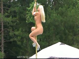 Stripper Compeitition Outdoors
