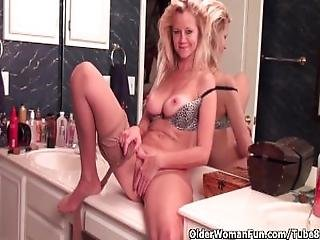 Mature Soccer Mom With D Cup Tits Masturbates In Pantyhose