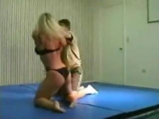 Mixed Wrestling Fbb Christine Fetzer Bodybuilder Scissors Part 2
