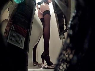 Toilet Party Milf Piss 1