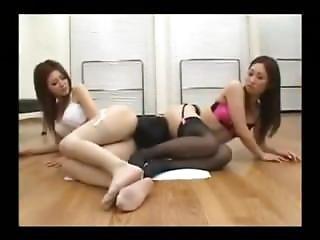 azjatka, siadanie na twarzy, femdom, fetysz, japonka, trójkąt