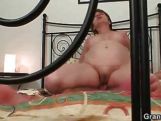 Humping The Old Babe And Cumming On Her