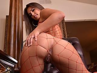 Hot Kelsi Monroe Loves Sucking Lexington Steele Huge Black Cock