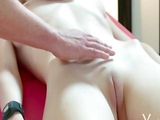 Yonitale Stunning Emily Bloom Has An Orgasmic Massage
