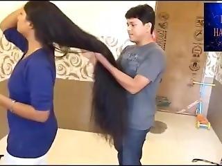 Czarna dziewczyna z kręconymi włosami porno