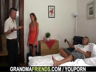 Hot 3some With Sexy Grandma