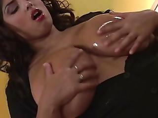 arabe, bbw, gros sein, seins, anglaise, nourriture, milf, sexy, serveuse
