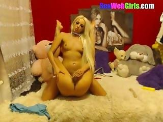 Sexy Lesbians Sexytigress Fucking In The Videochat With Anal And Pissing
