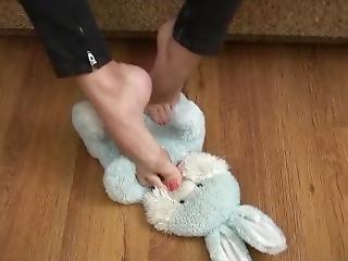 Bunny Bt Feet