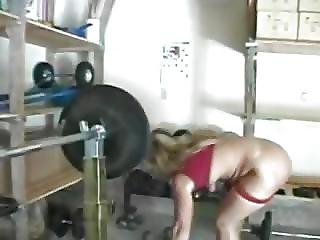 Muscled Mature Can Handle Anal