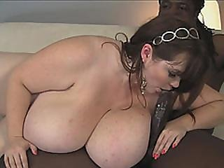 Plumper Lexxxi Luxe Pounding Black Cock For Cash